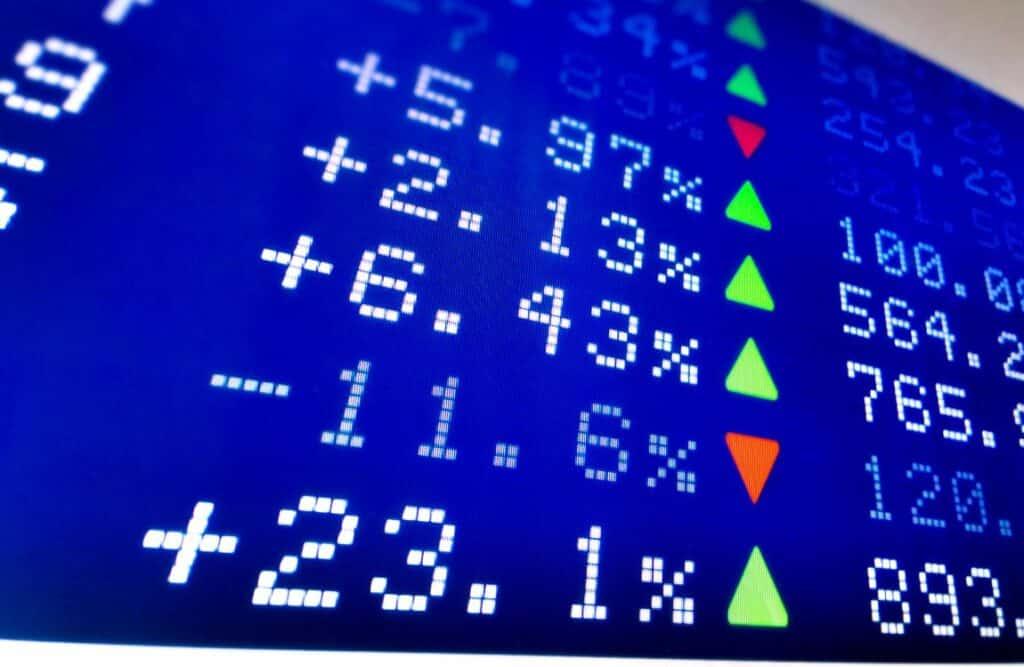 stock-market-board-bloomberg-us-dynamic-balance-index-ii